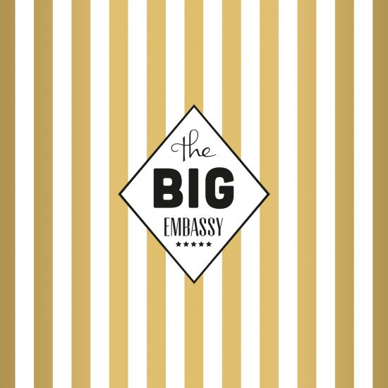Vestida de flores - Diseño del logotipo para agencia de publicidad The Big Embassy